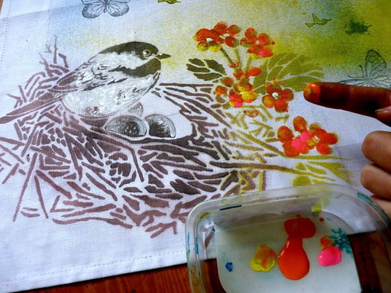 jarní prostírání - nanášení barev prstem