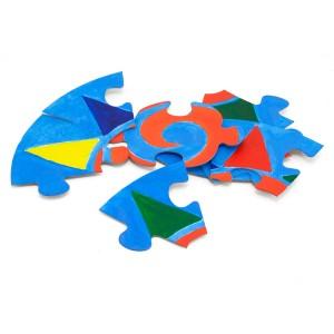 Rozložené namalované puzzle