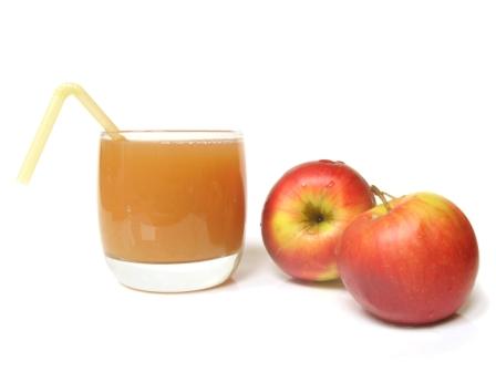 Zdravá výživa džus a jablka