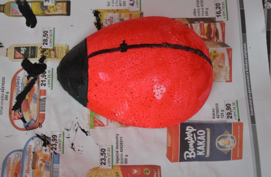 nabarvená záda berušky