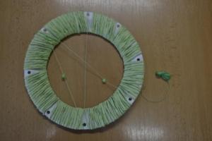 tvoření síťky na kruhu lapače snů