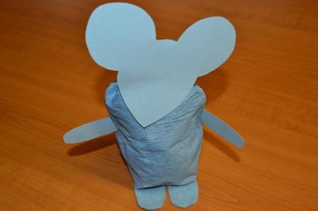 hlava myšky na těle