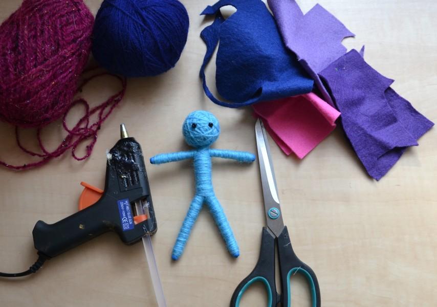 panenka z vlny - příprava na oblečení panenky