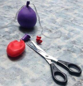 ustřižení balonků