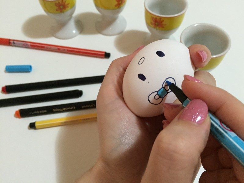 velikonoční vajíčko hello kitty postup 2