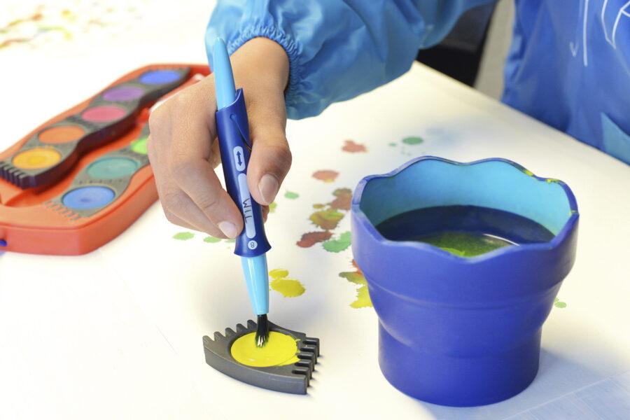 Ukázka použití vodových barev a skládacího kelímku značky Faber-Castell