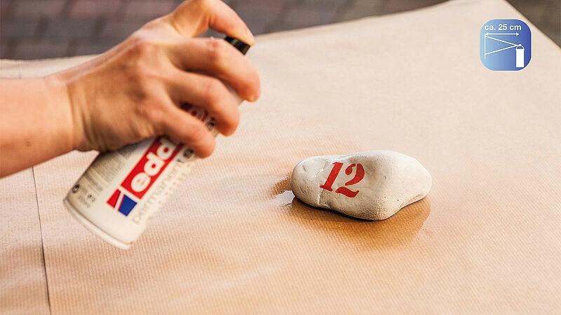vzdálost postřiku u akrylového spreje Edding
