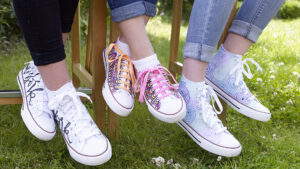 Pokreslené boty textilními popisovvači Edding