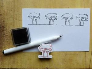 obtisknuté razítko stromů na papíře