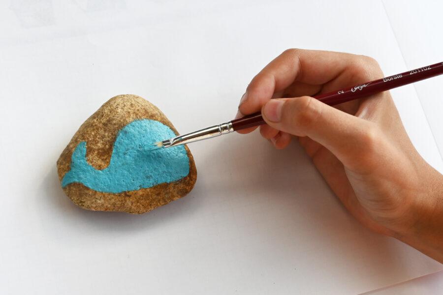 začínáme malovat na kamínek