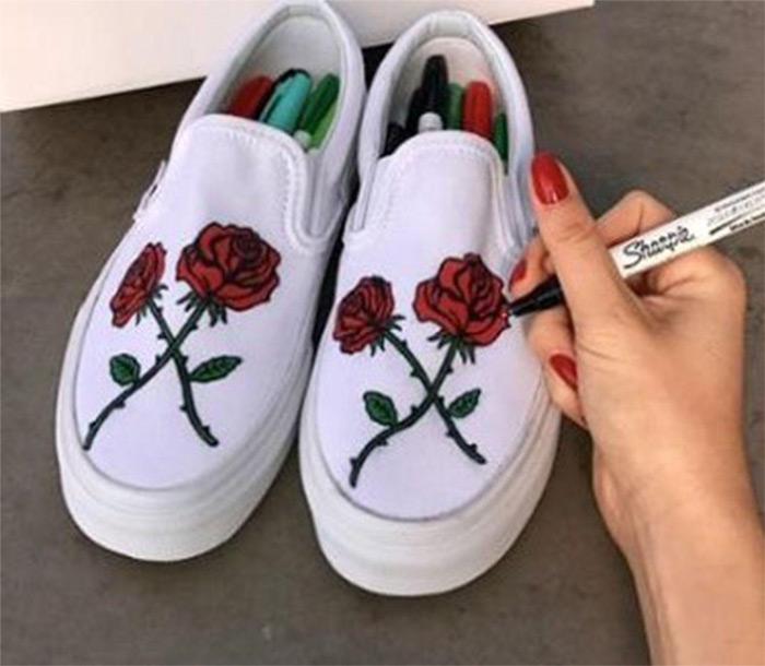 textilní boty pokreslené popisovači Sharpie